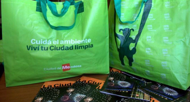 4ca078954 Bolsas ecológicas con los boletos de tasas municipales – Ciudad de ...