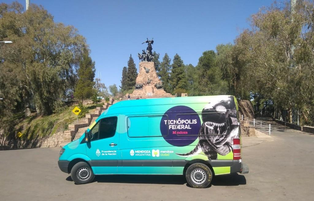 La traffic ya recorre la Ciudad de Mendoza para invitarte a que te sumes a Tecnópolis Federal Mendoza