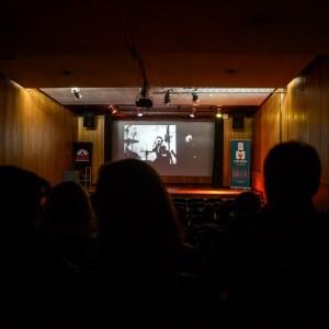 """En el Microcine Municipal """"David Eisenchlas"""" se lleva cabo la presentación de documentales locales, nacionales e internacionales que organiza el Centro Mendoza Audiovisual CeFilMA y la Asociación de Directores y Productores de Cine Documental de Argentina (ADN)."""
