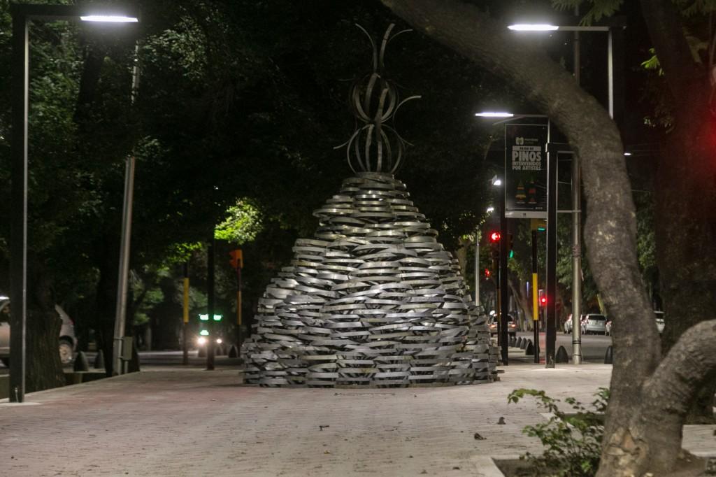 Pino navideño. Paseo Pedro Molina 3