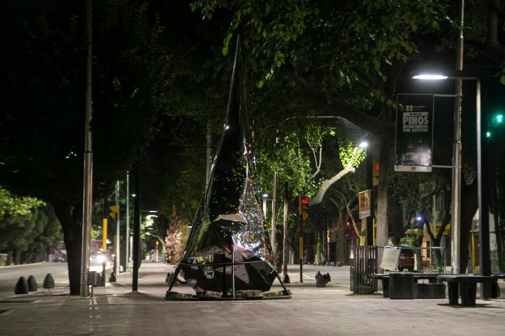 Pino navideño. Paseo Pedro Molina 6